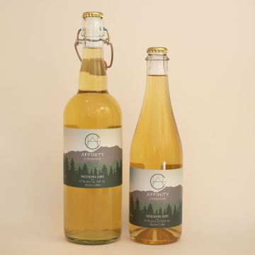Bottles of Modern Dry cider in both 750 and 500 ml